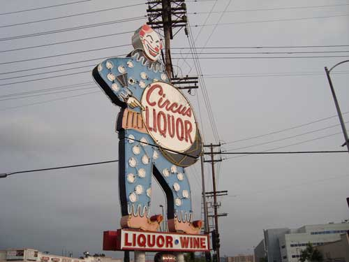 Clown-themed liquor store in Los Angeles