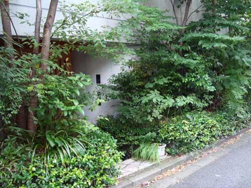 Kami Meguro residence B entrance