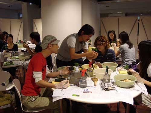 Sinajina's Kobayashi teaching a class in Omotesando