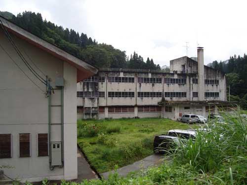 Modern school closed in Niigata