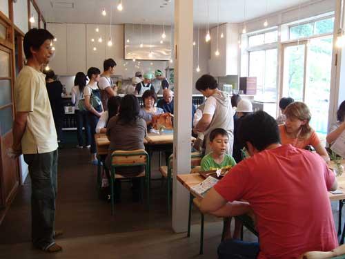 Niigata school cafe and furniture maker
