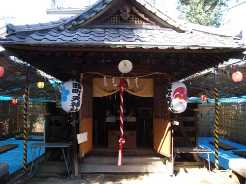 Local shrine open for omatsuri