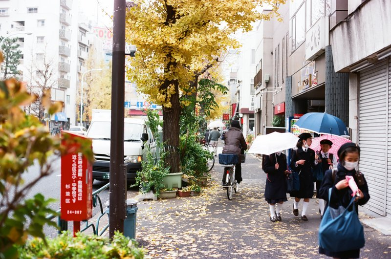schoolgirls_masks_fall_ginko_higashi_koenji