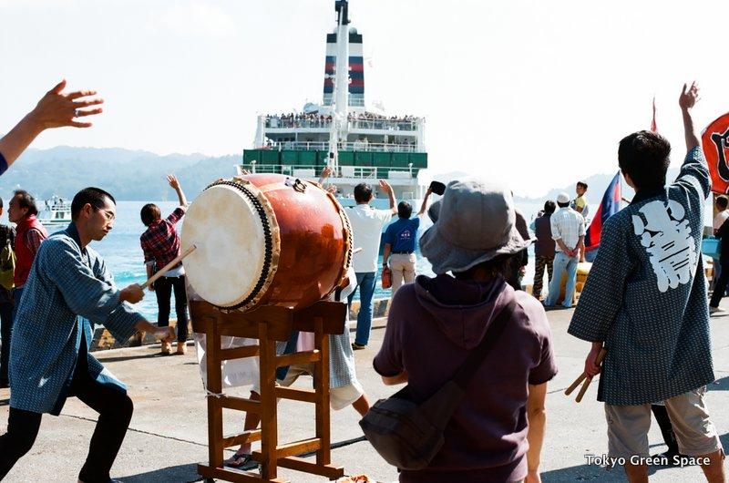 locals_drum_departure_ogasawaramaru