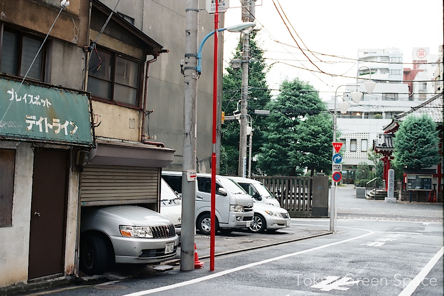 car_micro_garage_playspotdateline_shinjuku_nichome