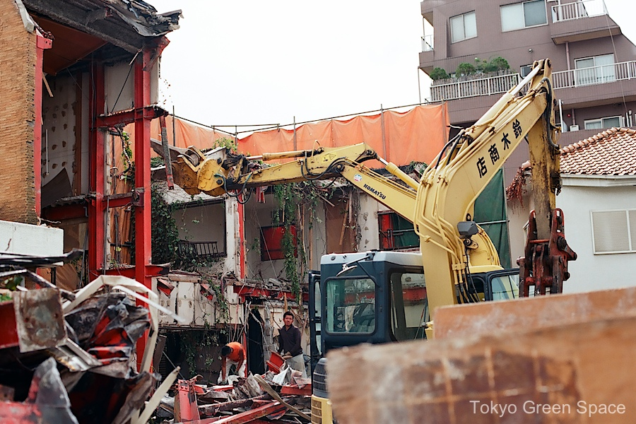 nakano_demolition_70s_sideview