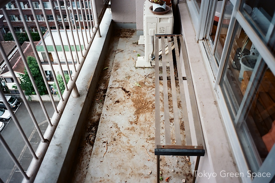empty_balcony_renovation
