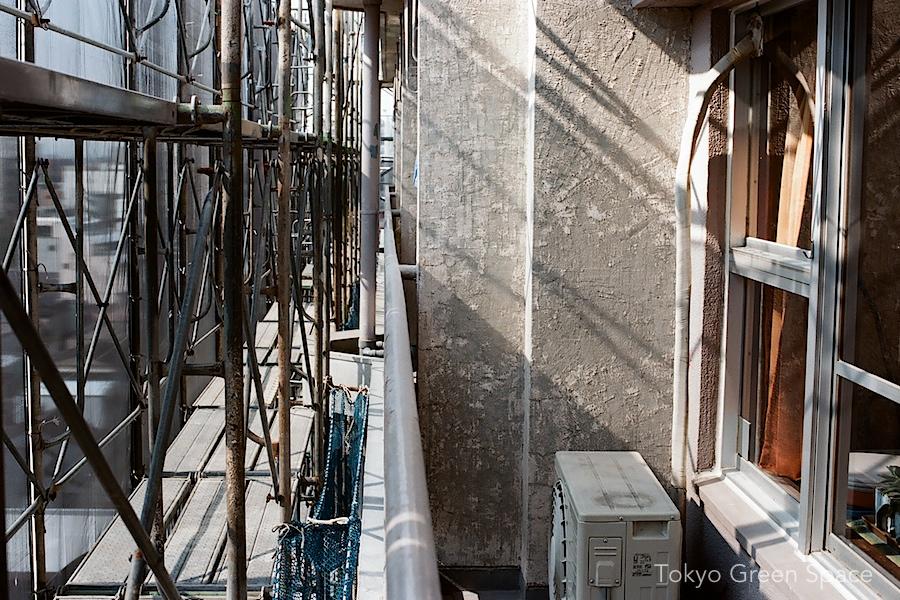 scaffolding_nakano_balcony