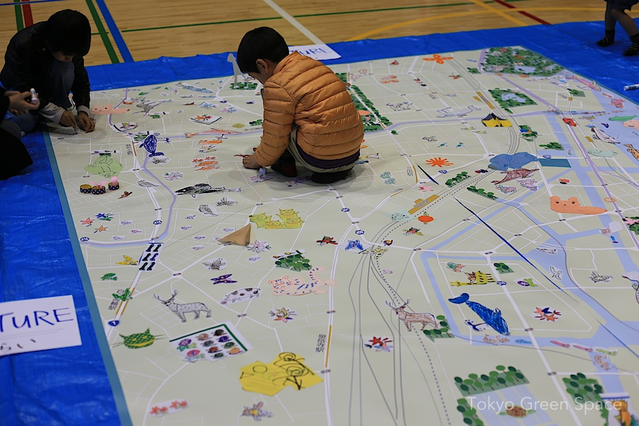 Making A Giant Green Map With Preschoolers In Shibaura Kids - Map making for kids