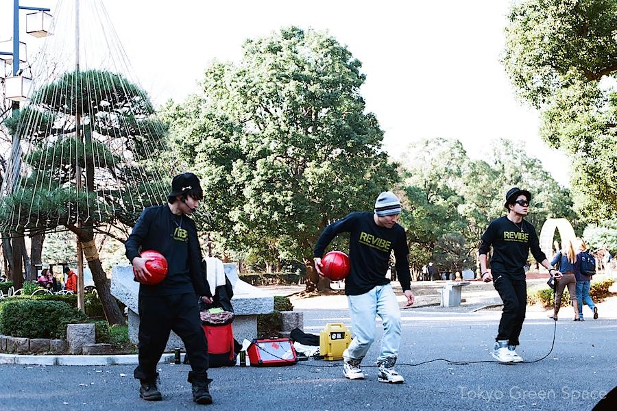basketball_dance_pine_snow_rope_yoyogipark