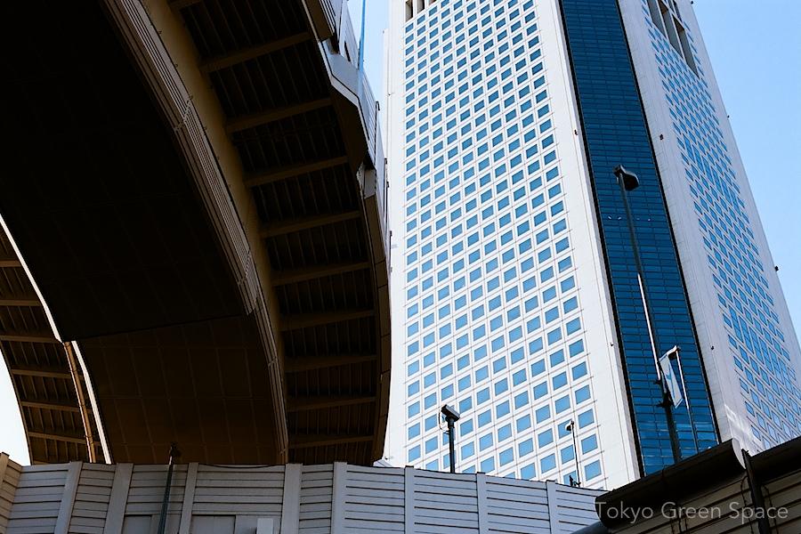 opera_city_from_below_freeway