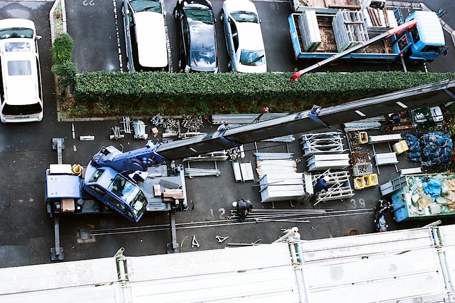 scaffolding_materials_parkinglot_nakano