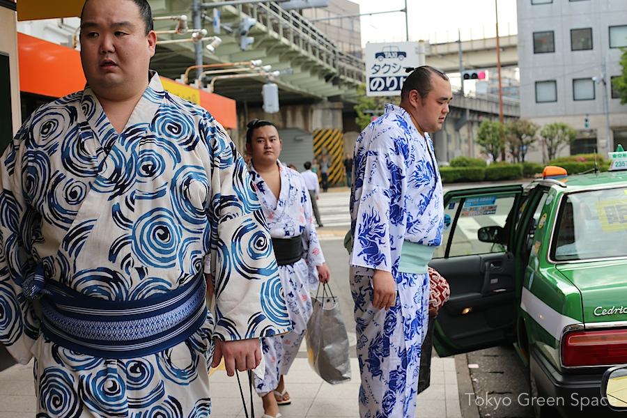 sumo_3_taxi_ryogoku_stn