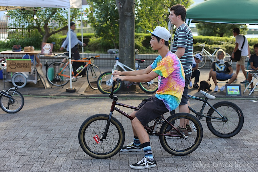 bmx_preparing_pedal_day_yoyogi_park